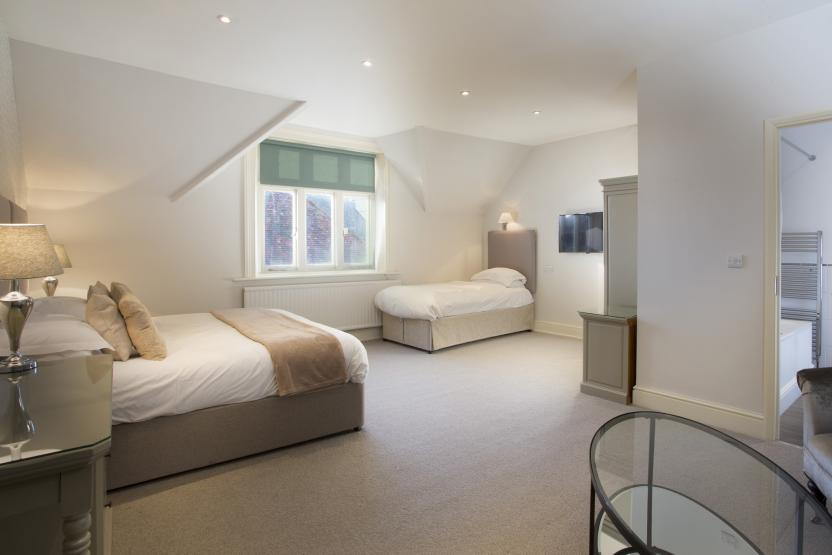 Bell Hotel, Sandwich -  Family Rooms